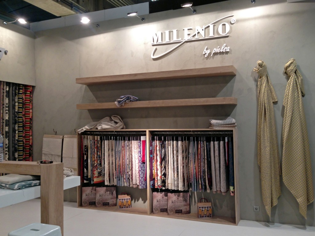 stands con textiles